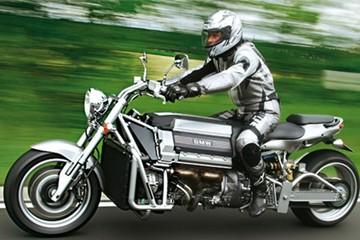Môtô tự chế dùng động cơ BMW V8