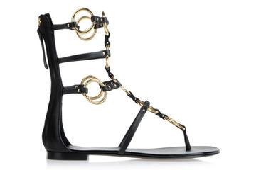 Những đôi sandal đế bệt cực