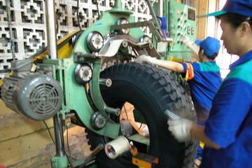 Lốp cao su sản xuất trong nước: Vẫn vướng đầu ra