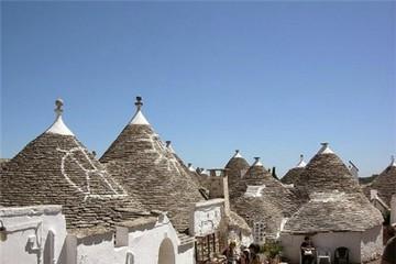 Những ngôi nhà hình nấm đẹp như cổ tích ở Italy