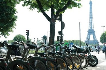 Pháp trả lương cao cho nhân viên đi làm bằng đạp xe