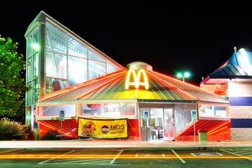 Đi tìm những cửa hàng McDonald độc đáo nhất thế giới