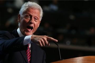 Bill Clinton kiếm 105 triệu USD nhờ 542 bài diễn thuyết