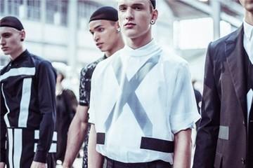 Thời trang Givenchy nam Xuân Hè 2015: Mạnh mẽ và cổ điển