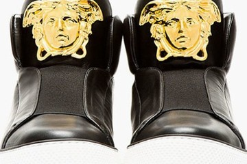 Versace ra mắt giày sneaker thể thao sang trọng