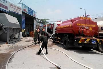 Cháy lớn tại kho cồn ở Hà Nội