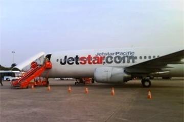 Mất liên lạc, máy bay Jetstar lòng vòng trên trời