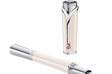 Chiếc bút máy Princesse Grace de Monaco tôn vinh bà hoàng Grace