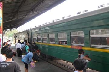 Đường sắt giảm mạnh giá vé để cạnh tranh thu hút khách