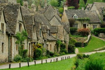 Đến thăm những ngôi làng cổ nổi tiếng thế giới