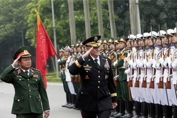 Tham mưu trưởng Liên quân Mỹ thăm Việt Nam