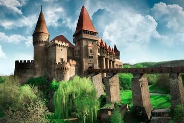 Đến thăm những lâu đài cổ đẹp nhất thế giới