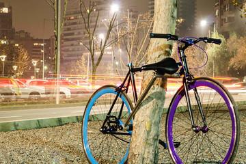 Chiếc xe đạp có khóa bằng...khung xe