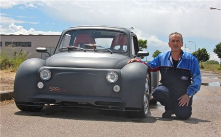 Fiat 500 đời cổ độ động cơ Lamborghini siêu mạnh