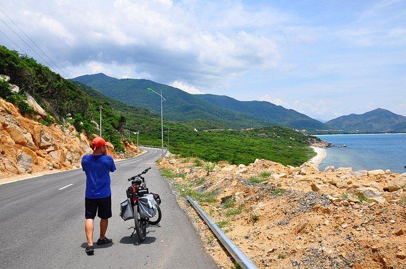 Ninh Thuận khánh thành cầu bắc qua cửa biển Đầm Nại