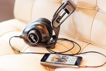 Tận hưởng thế giới âm nhạc với tai nghe thông minh Blue Mo- Fi