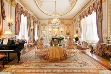 Bên trong căn hộ penthouse được mạ vàng của 'thảm họa dao kéo' Mỹ
