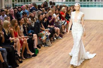 Chiếc váy cưới của