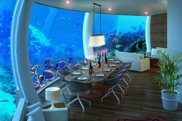 Chưa mở cửa, khách sạn dưới nước đã có 150.000 khách xếp hàng chờ