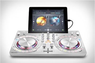 Siêu nhỏ gọn với bộ điểu khiển DJ DDJ-WeGO3