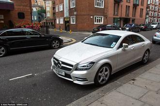 Mercedes-Benz CLS gắn một triệu viên pha lê Swarovski
