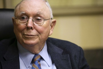 Ai là cánh tay phải của Warren Buffett?