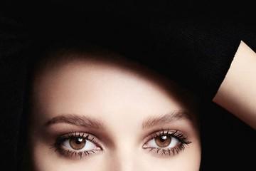 Ngọt ngào và quyến rũ với bộ son môi và sơn móng tay cao cấp của Chanel
