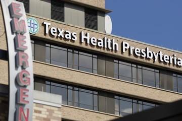 Một nhân viên y tế tại Texas được chuẩn đoán dương tính với virus Ebola