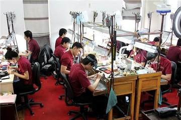 Ngọc trai giá nghìn đô ở Sài Gòn được chế tác như thế nào?