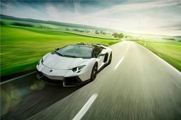 Siêu xe mui trần Aventador Roadster độ mạnh mẽ của Novitec
