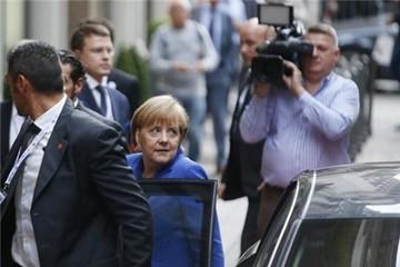 Giờ cao su bất đắc dĩ, TT Putin bắt bà Merkel chờ 4 tiếng