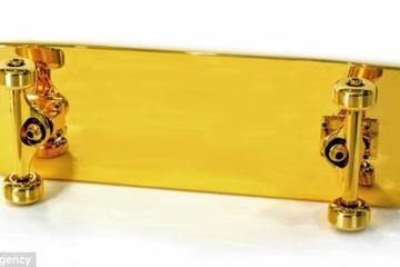 Chiếc ván trượt mạ vàng đắt nhất thế giới