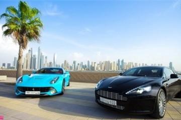 Ferrari F12 Berlinetta rực rỡ trong nắng Dubai