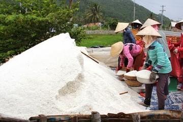 Sản xuất muối 10 tháng tăng 16%, nhập khẩu muối giảm gần 4%