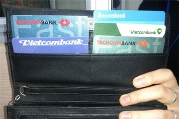 Mỗi người nên có tối đa bao nhiêu thẻ ngân hàng?