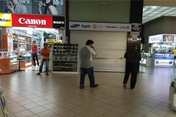 Cửa hàng lừa bán iPhone 6 cho du khách Việt tạm đóng cửa