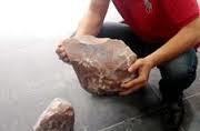 Cơn sốt đá lạ tràn vào Kon Tum
