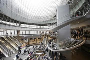 Cận cảnh trung tâm tàu điện ngầm lớn nhất New York ở Trung tâm thương mại Một thế giới