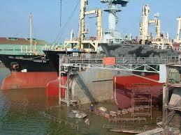 """""""Bẻ lái"""" công nghiệp đóng tàu"""