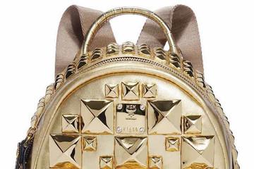 Sang chảnh với túi xách bằng vàng trị giá hơn 2 tỷ đồng