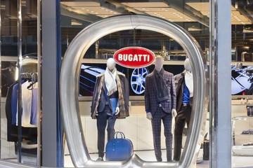 """Khám phá cửa hàng thời trang phong cách đầu tiên của """"ông hoàng tốc độ"""" Bugatti"""