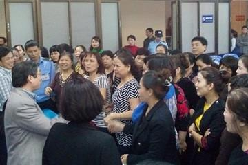 Tiểu thương và quản lý Chợ Đồng Xuân đối thoại bất thành