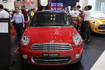 MINI Cooper Convertible giá 1,56 tỷ đồng tại Việt Nam