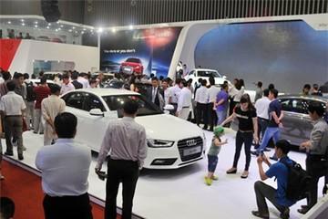 Thị trường ô tô cuối năm tràn ngập xe mới