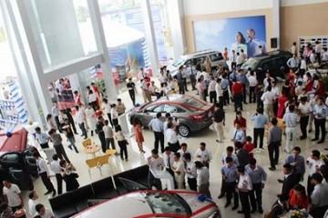 Lần thứ tư trong năm 2014, VAMA nâng dự báo doanh số bán ô tô của Việt Nam