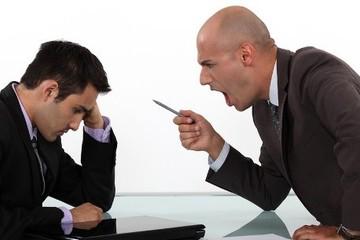 Có nên nghỉ việc nếu bị sếp ghét?