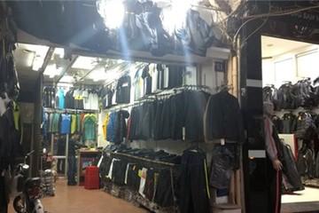 Rét đậm, rét hại các cửa hàng quần áo ở Hà Nội vẫn ế ẩm