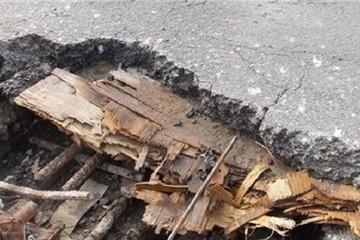 """Mặt đường 5 trơ lõi gỗ ép: """"Người ta không biết mới nói bê tông cốt gỗ!"""""""