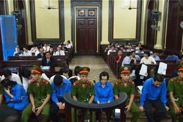 Bị cáo khai nhân viên VietinBank làm theo chỉ đạo dù biết sai