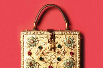 Đắng cấp với túi xách vàng Fairy Tale của D&G
